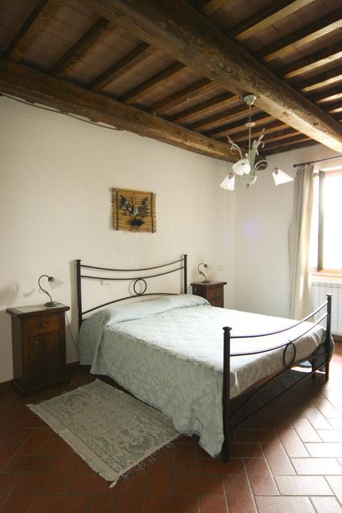Luna appartamento 5 posti letto per vacanze in umbria - Letto all americana ...